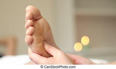 Reflexology foot massage - Feet reflexology massage teatment