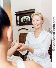 reflexology, masage, main