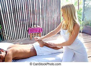 reflexology massage stretch therapy physiotherapy