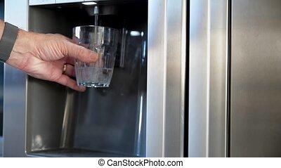 refroidi, frigidaire, homme, prendre, eau