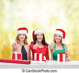 regalo, benefattore, cappelli, scatole, santa, sorridente, donne