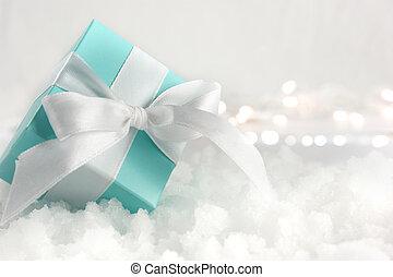 regalo de navidad, anidado, en, nieve