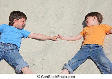 regard, deux, sable, autre, chaque, enfants, mensonge, tout