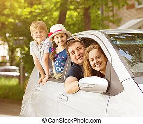 regard, famille, gens, voiture, quatre, fenêtre, sourire heureux, dehors