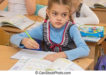 regard, résout, planche, first-grader, mathématiques, leçon, exemples