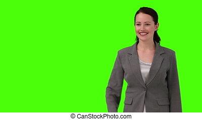 regarder, appareil photo, femme, foncé-d'une chevelure,...