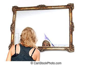 regarder, blond, femme, miroir