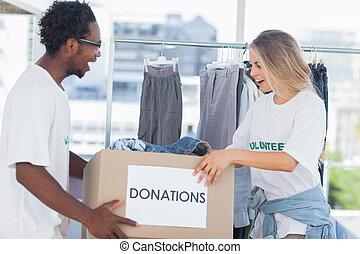 regarder, boîte, donation, volontaires, gai
