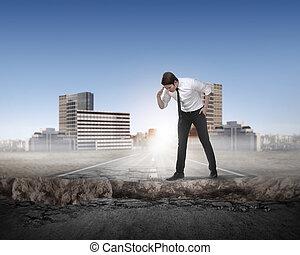 regarder, business, bas, cassé, route, homme