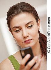 regarder, cellphone, femme