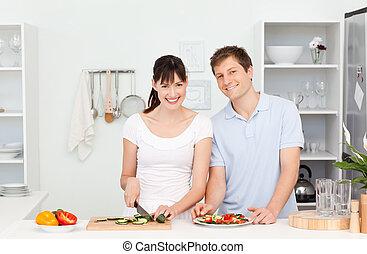 regarder, couple, appareil photo, jeune