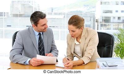regarder, document, equipe affaires