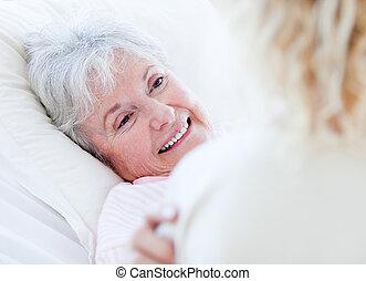 regarder, femme aînée, docteur