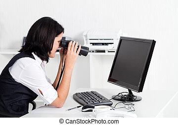 regarder, femme affaires, informatique