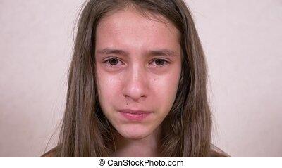 regarder, girl, pleurer, adolescent, appareil-photo.