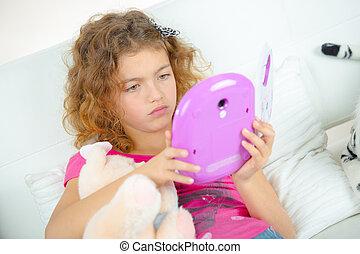 regarder, girl, tablette, numérique