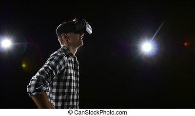 regarder, glasses., réalité, plaisir, noir, virtuel, fond, homme