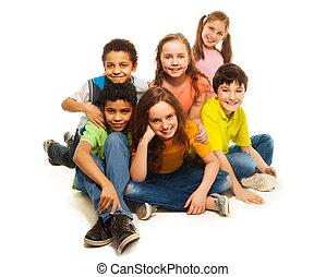 regarder, groupe, gosses, diversité, heureux