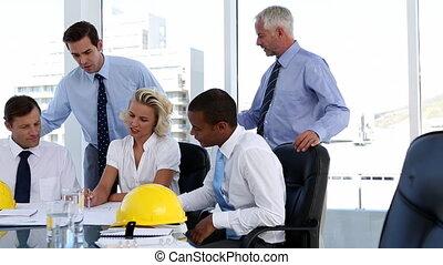 regarder, groupe, plan, architectes