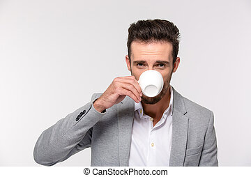 regarder, homme affaires, café, appareil photo, boire