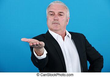 regarder, homme affaires, sien, main
