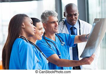 regarder, malade, rayon x, médecins