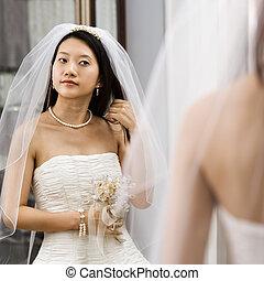 regarder, mariée, miroir.
