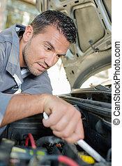 regarder, moteur voiture, mécanicien