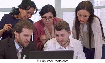 regarder, ordinateur portable, professionnels