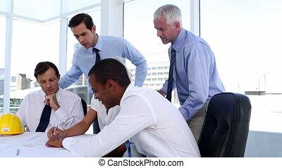 regarder, plans, équipe, architectes
