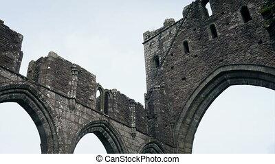 regarder, vieux, ruines, autour de, église