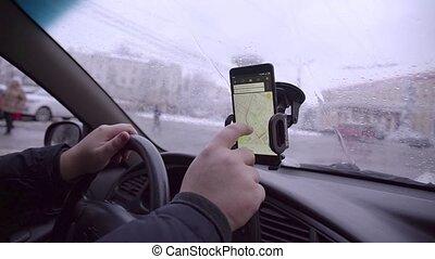 regarder, voiture, navigateur, endroit, main