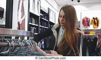 regarder, voyante, achats, acheteur, coup, mouvement, 60fps., lent, poche, store., woman., vêtements
