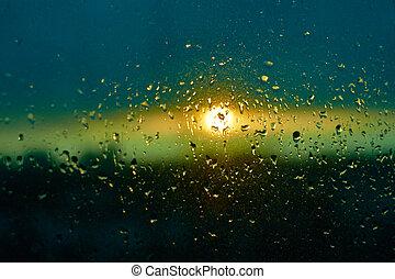 regen fällt, beschaffenheit, auf, fensterglas, mit, betäuben, bunte, blaues grün, sonnenuntergang, licht, abstrakt, verwischt, cityscape, skyline, bokeh, hintergrund., weich, fokus.