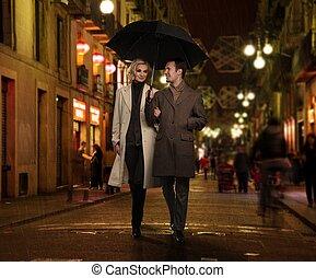 regenachtig, avond, paraplu, paar, elegant, buitenshuis
