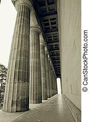 Regensburg09 - Pillars in Regensburg, sepia