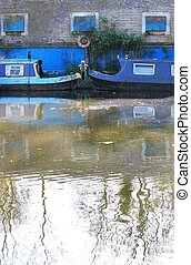 REGENTS CANAL- canal barge on canal river- Regents Canal, ...