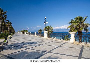 Reggio di Calabria promenade Lungomare Falcomata, Southern ...
