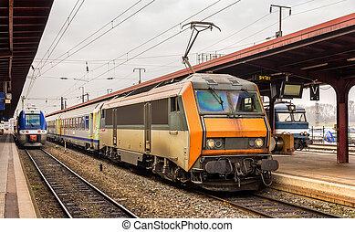 regionale, ekspres tog, hos, strasbourg, station, -, alsace, frankrig
