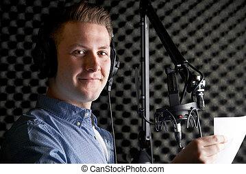 registrazione, parlare, microfono, studio, uomo