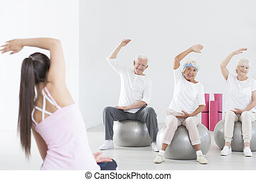 Rehabilitation on exercise balls