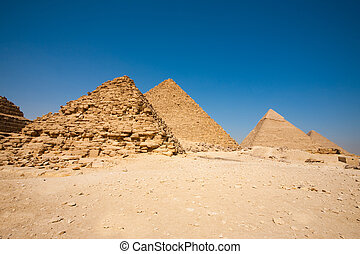 reina, pirámide, menkaure, khafre, cheops