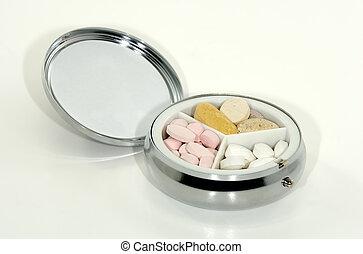 reisekoffer, pille