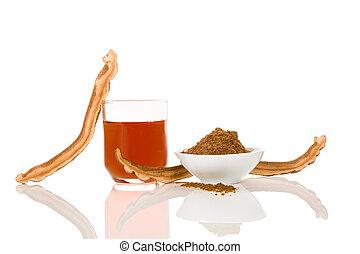 Reishi mushroom powder and drink.