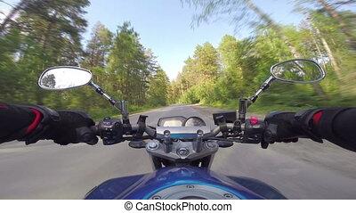 reiten, a, motorrad, auf, wald, straße