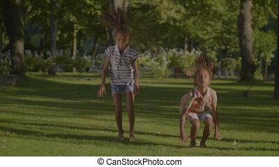 reizend, afrikanischer amerikaner, kinder, tanzen, hip hop, park