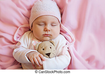 reizend spielzeug schl ft teddyb r neugeborenes baby stockfotografie bilder und foto. Black Bedroom Furniture Sets. Home Design Ideas