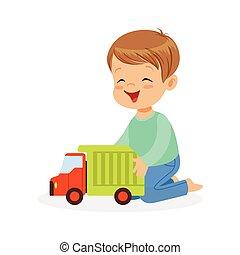 reizend, glücklich, kleiner junge, sitzen boden, spielende , mit, spielzeuglastwagen, bunte, zeichen, vektor, abbildung