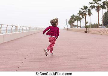reizend, kleines mädchen, auf, der, promenade, per, der,...