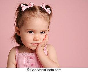 reizend, kleinkind, m�dchen, posierend, auf, rosa